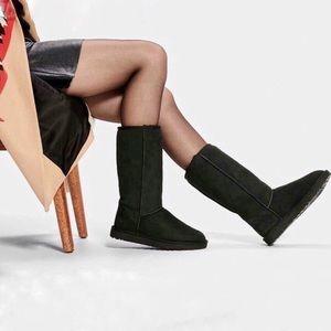 UGG | Classic Black Tall Sheepskin Boots US 7